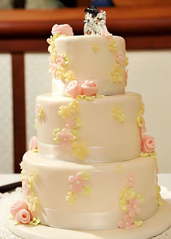 wedding cake maui hi wedding information go hawaii 23240